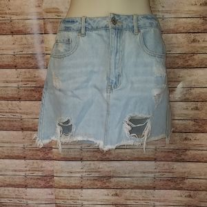 Forever 21 distressed Jean skirt size 4
